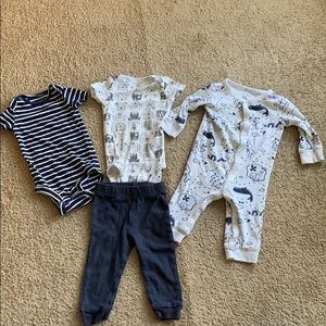 Carters 9 month baby boy clothing lot